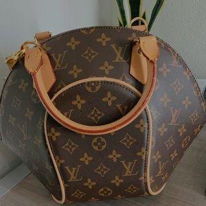 LV small toute handbag